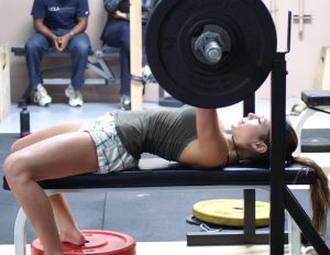 Girls-Lift-Weights